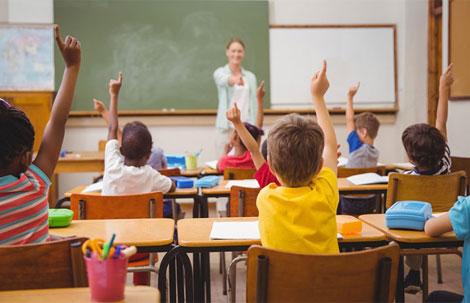 نتیجه تصویری برای سن شروع تحصیل در فرانسه از 6 به 3 سال کاهش یافت